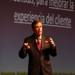 Dooley centr su sesin en la efectividad neuromarketing  para lograr persuadir a los clientes de manera exitosa.